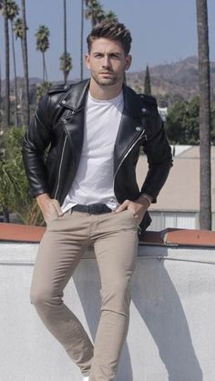 Jackets For Stylish Men. Jackets are a vital part of every man's closet. Men need outdoor jackets for a number of occasions and several varying weather conditions. Biker Jacket Outfit, Leather Jacket Outfits, Men's Leather Jacket, Leather Men, Leather Jackets, Bomber Jacket, Biker Leather, Jacket Men, Custom Leather