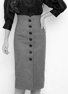 I wonder if this would work as a short pencil skirt Only Fashion, Look Fashion, Fashion Models, Fashion Outfits, Fashion Design, Pencil Skirt Outfits, Vintage Mode, Business Casual Outfits, Work Attire