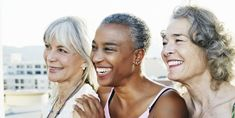Women smiling together on urban rooftop Shampoo For Gray Hair, Violet Shampoo, Gray Hair Growing Out, Grow Hair, Best Silver Hair Dye, Demi Permanent, Bright Blonde, Woman Smile, Hair Starting
