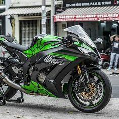 Motorcycle Kawasaki Zx-10 R…