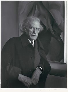 essays on alfred steiglitz Alfred stieglitz (1864–1946) was an american art collector, dealer and photographer who was one of the earliest supporters of modernist art in the united states.