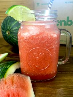 How to make watermelon water with a greenblender made of glass - Heathy Living - Strawberry Banana Smoothie, Fruit Smoothie Recipes, Apple Smoothies, Smoothie Drinks, Drink Recipes, Yummy Recipes, Keto Recipes, Healthy Recipes