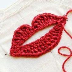 X crochet lips sweater kiss Crochet Eyes, Crochet Art, Love Crochet, Crochet Motif, Beautiful Crochet, Crochet Crafts, Crochet Dolls, Crochet Flowers, Crochet Stitches
