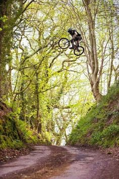 Flying high, crazy!   #mtb #cycling #mountainbiking