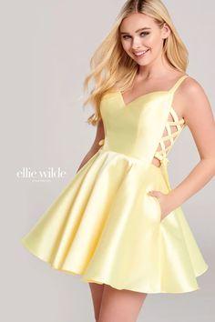 Yellow Homecoming Dresses, Short Graduation Dresses, Prom Dresses For Teens, Homecoming Dresses For Freshman, Homecoming Ideas, Teen Dresses, Dama Dresses, Hoco Dresses, Quinceanera Dresses