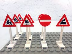 Highway light Lego CUSTOM City//Town//Village//Street HIGHWAY signs set of 11
