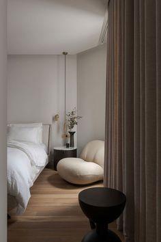 Room Gallery Decor Dream Home Design, Home Interior Design, House Design, Home Decor Bedroom, Modern Bedroom, Bedroom Design Minimalist, New Bedroom Design, Aesthetic Bedroom, Apartment Interior