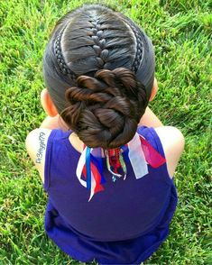 French braid framed with cornrows into a flower bun 💙 inspired by lovely Mirjam 🌀 I just changed my bun a little bit from… Baby Girl Hairstyles, Pretty Hairstyles, Braided Hairstyles, Hairdos, Little Girl Braids, Braids For Kids, Girl Hair Dos, Natural Hair Styles, Long Hair Styles