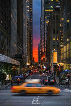 Night Aesthetic, City Aesthetic, Travel Aesthetic, New York Life, Nyc Life, New York Wallpaper, City Vibe, New York City Travel, Dream City