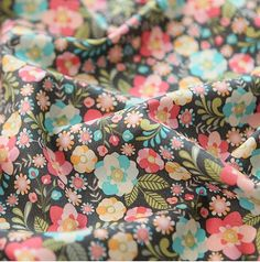 "Pastel Tone Flower Pattern Cotton Fabric by Yard  -20s Cotton 100%  -Total Width & Length: 43""X 35"" (110cm X 90cm)    -It is great for Apron,"