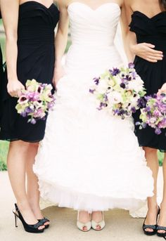 59 Reasons Black Is The Chicest Wedding Color // black and purple colors Black Bridesmaids, Black Bridesmaid Dresses, Colored Wedding Dresses, Wedding Bridesmaids, Wedding Colors, Wedding Bouquets, Temple Wedding, Our Wedding, Dream Wedding