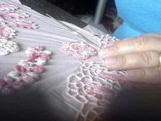 Why I use pins when I`m working with Irish Crochet.