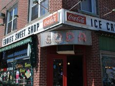 For old-fashioned ice cream, Eddie's Sweet Shop is the place to go. This shop will take you back to ... - Photo Modified: Flickr / Peter Dutton
