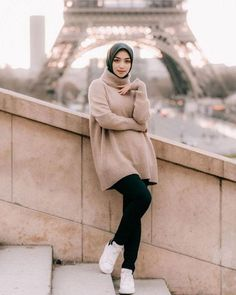 Casual Hijab Outfit, Ootd Hijab, Hijab Chic, Hijab Dp, Abaya Fashion, Fashion Outfits, Winter Travel Outfit, Travel Ootd, Turtleneck Outfit