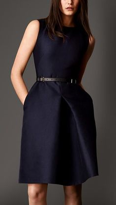 Burberry London Cotton Silk Sculptural Dress - great for the office Office Fashion, Work Fashion, Fashion Ideas, Dress Skirt, Dress Up, Navy Dress, Bodycon Dress, Business Mode, Business Casual