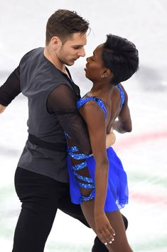 17 Figure Skating Pictures That Are Lowkey Sexual AF Vanessa James Morgan Cipres, Figure Skating Moves, Skating Pictures, Love On Ice, Team Events, Short Grey Hair, Interracial Couples, Skating Dresses, Tennis Players