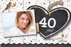 LOVZ - Hippe uitnodiging voor je verjaarsfeest - hout print - krijtbord hart - vogeltje - koper kleurige dots en hartjes - foto kader met linnen en leer bandje