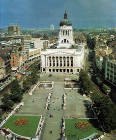 Council House and Market Square Nottingham Nottingham City Centre, Nottingham Uk, English Architecture, Historical Architecture, Old Pictures, Old Photos, Amazing Pictures, Nostalgic Pictures, Council House