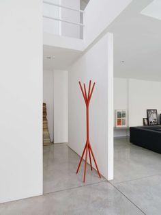 porte-manteau design sur pied en forme d'arbre rouge- TO TAIME 030 via Alias