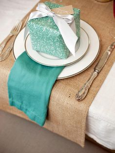 Holiday-Theme Wedding Projects and Ideas >>> http://www.diynetwork.com/how-to/make-and-decorate/entertaining/diy-projects-and-ideas-for-creating-a-holiday-wedding-pictures/?soc=pinterest