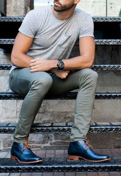 Spring ShoeGuide: 4 styles to upgrade your wardrobe for spring #springfashion #menfashion #menaccessories #shoeguide #TheGentleManual
