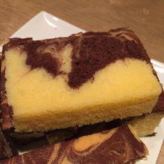 Marble Cake Recipe Moist, Marble Cake Recipes, Classic Brownies Recipe, Square Pan, Cake Flour, Brownie Recipes, Baking Recipes, Cocoa, Cheesecake
