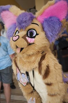 Fuckin' Awesome Fursuits, Fursuiter FursuitMaker Photos (1)(2)