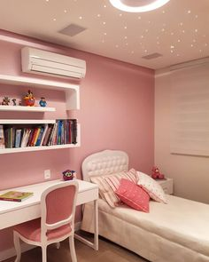 8 accessories that make you want to have a pastel room! Teen Bedroom Designs, Room Design Bedroom, Room Ideas Bedroom, Home Room Design, Bedroom Decor For Small Rooms, Study Room Decor, Jugendschlafzimmer Designs, Pastel Room, Small Room Design