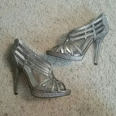 Nina New York Heels Nina New York open toe strappy heels! Very glittery! Size 9.5. Perfect for prom, formals, galas, or any event. Bought from Von Maur. Great condition! Make offers! Nina New York  Shoes Heels