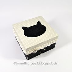 Geschenkbox mit Katze  / Silhouette Cameo Tissue Holders, Facial Tissue, Silhouette Cameo, Barware, Scrapbooking, Cat Outline, Toilet Paper Holders, Bar Accessories, Silhouette Cameo Projects