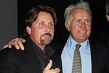 Martin Sheen and son, Emilio Esteves: He's aging well and if heredity has anything to do with it, he will continue too. Deborah Jenkins via Victoria Brofsky onto Men of Strength Ramones, Sheen Family, Lgbt Celebrities, Emilio Estevez, Lgbt News, Martin Sheen, Inspirational Movies, Charlie Sheen, Family Affair