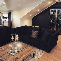 Manhattan Lux Cabinet fra @classicliving hos @__lisa__88. Helt Nydelig!
