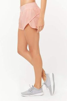 $15.90 | I love these shorts from FOREVER 21 | Active Woven Dolphin Shorts | Women's fashion | Activewear | running shorts | active shorts | workout shorts | fitness clothes | #ad #FashionActivewear
