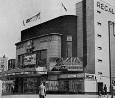 Streatham struggles to keep its leisure and entertainment venues Vintage Pictures, Old Pictures, Old Photos, Vintage London, Old London, Uk History, Family History, Cinema Theatre, High Road