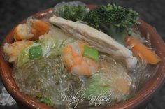 How to Cook Sotanghon Perfectly http://melyskitchen.blogspot.ca/2015/06/how-to-cook-sotanghon.html