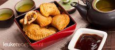 Lekkere met gehakt en selderij gevulde Indische pasteitjes
