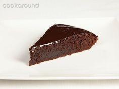 Torta morbida al cioccolato fondente: Ricette Dolci | Cookaround