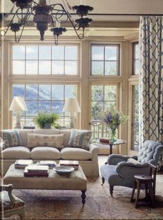 Simple living room curtains behind couch ideas (45) Simple Living Room, Home Living Room, Living Room Decor, Living Spaces, Patio Interior, Interior Exterior, Interior Livingroom, Salas Home Theater, Aspen House