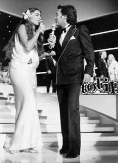 Al Bano & Romina Power - Italy - Place 7 Glamour, Pop Singers, Bane, Horror Movies, Couple Goals, Famous People, Cinema, Romantic, Italy