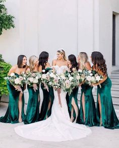 A happy bridesmaid makes a happy BRIDE! Looking for the perfect wedding dress for you and your girls contact us today! Velvet Bridesmaid Dresses, Wedding Bridesmaids, Green Bridesmaids, Spring Bridesmaid Dresses, Prom Dresses, Bridesmaid Outfit, Bouquet Wedding, Evening Dresses, Bridesmaids