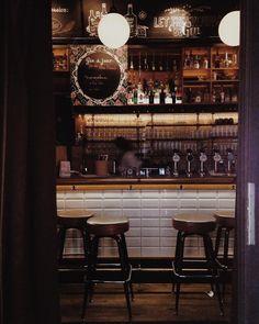 Die coolsten Gin Bars in Wien - Gin Bar, Liquor Cabinet, Home Decor, Decoration Home, Room Decor, Home Interior Design, Home Decoration, Interior Design
