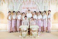 Thai wedding ceremony | งานแต่งแบบไทย สีชมพู พีช และ งานเลี้ยงค่ำ ธีม Rustic Garden สวน ดอกซากุระ เพิ่มความหอมหวานด้วย ของชำร่วย น้ำตาลกรวด | อ่านต่อ sodazzling.com | #thai_wedding_ceremony