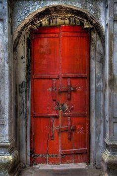 mi puerta roja
