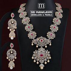Breathtaking Bridal Diamond Necklace Designs Are Here! Kundan Jewellery Set, Indian Jewelry Sets, Diamond Jewellery, Diamond Choker, Temple Jewellery, Necklace Designs, Wedding Jewelry, South India, Frozen Jewelry
