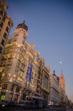 Qué me das si yo te doy Madrid? En HOTEL ATLÁNTICO