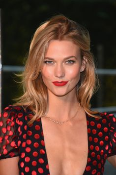 Karlie Kloss. Inspiration for Model Under Cover. #ModelUnderCover http://www.carinaaxelsson.com