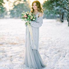 «Сегодня в Петербурге такой снежок, что так и хочется напеть из любимого Sinatra: 'And since we've got place to go - let it snow, let it snow, let it snow'…»