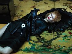 The March 2013 issue of W magazine features the geisha-inspired story 'East of Eden' , photographed by Mert Alas and Marcus Piggott and styled by Edward Enninful with models Ondria Hardin, Saskia de Brauw, Xiao Wen and Yumi Lambert. Fashion Tape, Leather Fashion, Monet, Alas Marcus Piggott, Edward Enninful, Art Partner, East Of Eden, Madame Butterfly, The Libertines