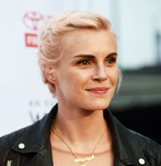 Phoebe Dahl's 5-Step Guide To Changing The World | Fashion, Trends, Beauty Tips & Celebrity Style Magazine | ELLE UK