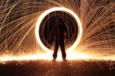 Steel wool photography trick. Photography Cheat Sheets, Photography Camera, Light Photography, Photography Tips, Steel Wool Photography, Nikon D5200, Camera Settings, Shutter Speed, Photographers
